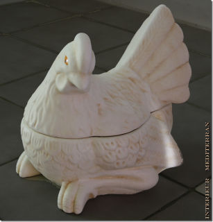 Huhn Tierfigur Oberteil und Unterteil zur Aufbewahrung - ca.25 CM aus Keramik
